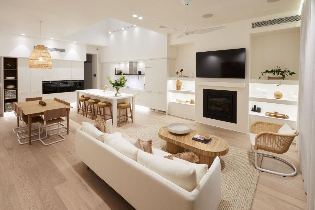 Ruang Keluarga dan Ruang Makan
