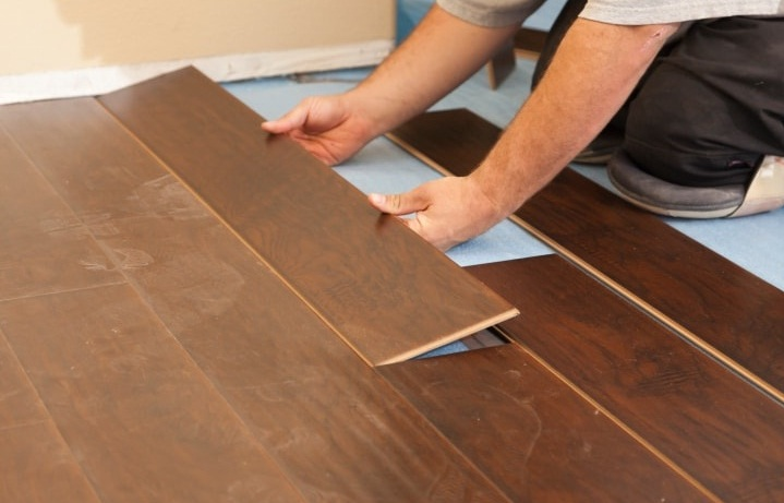 pemasangan vinyl lantai dan parket